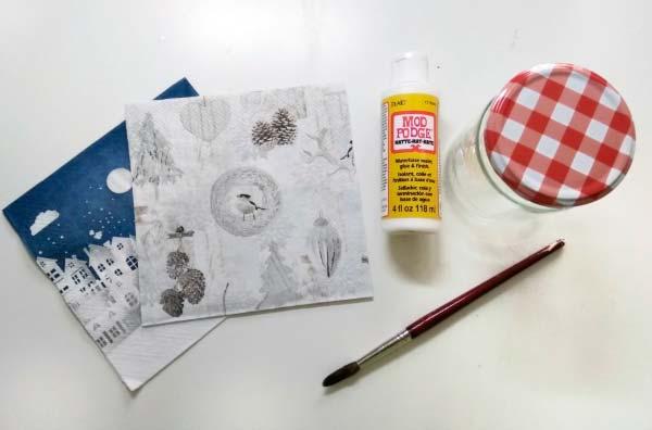 Materiales para decoupage. Mod podge, barniz, pegamento